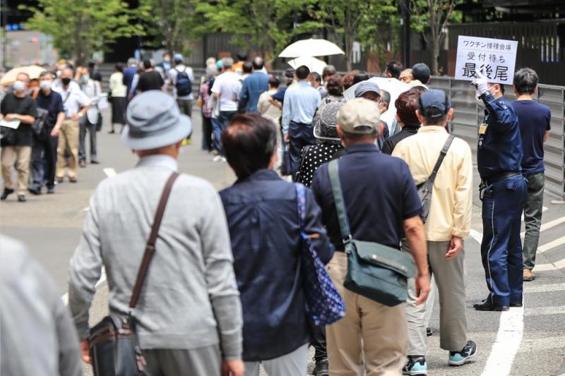 日本一市犯两起同样乌龙给老人一天内注射两次新冠疫苗